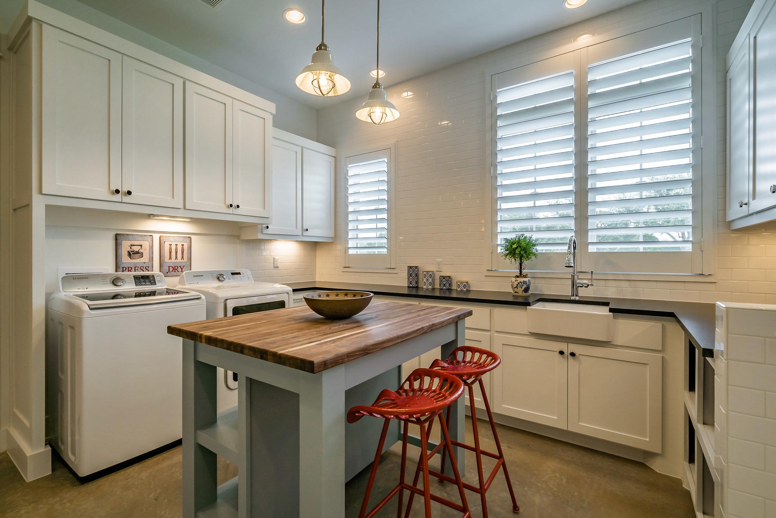 3200 Fall Creek Estates Dr Interiors-9.jpg