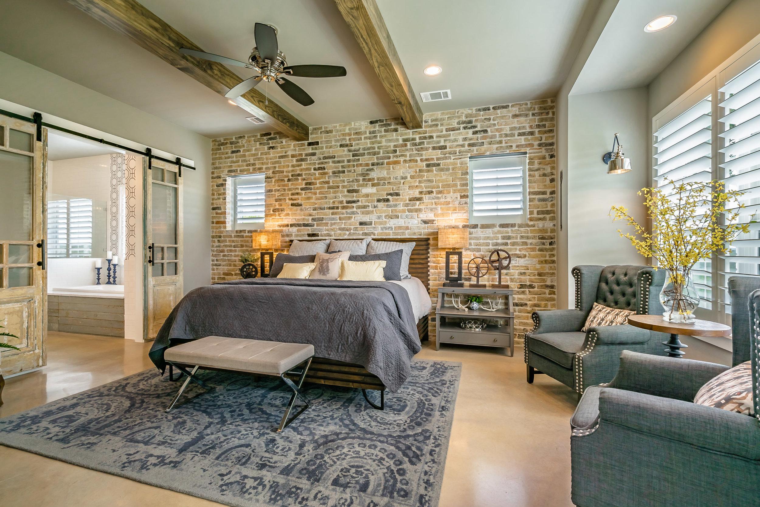 3200 Fall Creek Estates Dr Interiors-16.jpg