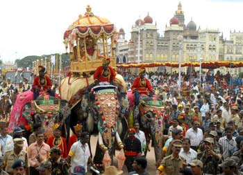 So many people are celebrating this holiday! http://aboutfestivalsofindia.com/community-festivals/hindu-festivals/dussehra/
