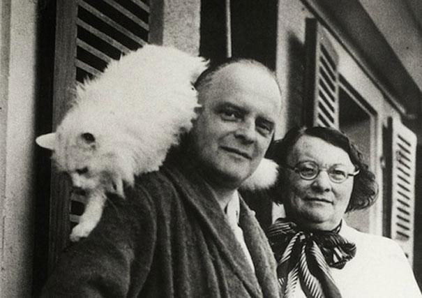 Paul Klee having fun with his cat, Bimbo.