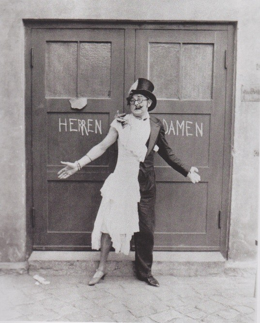 Weimar Berlin 15 Cabaret.jpg