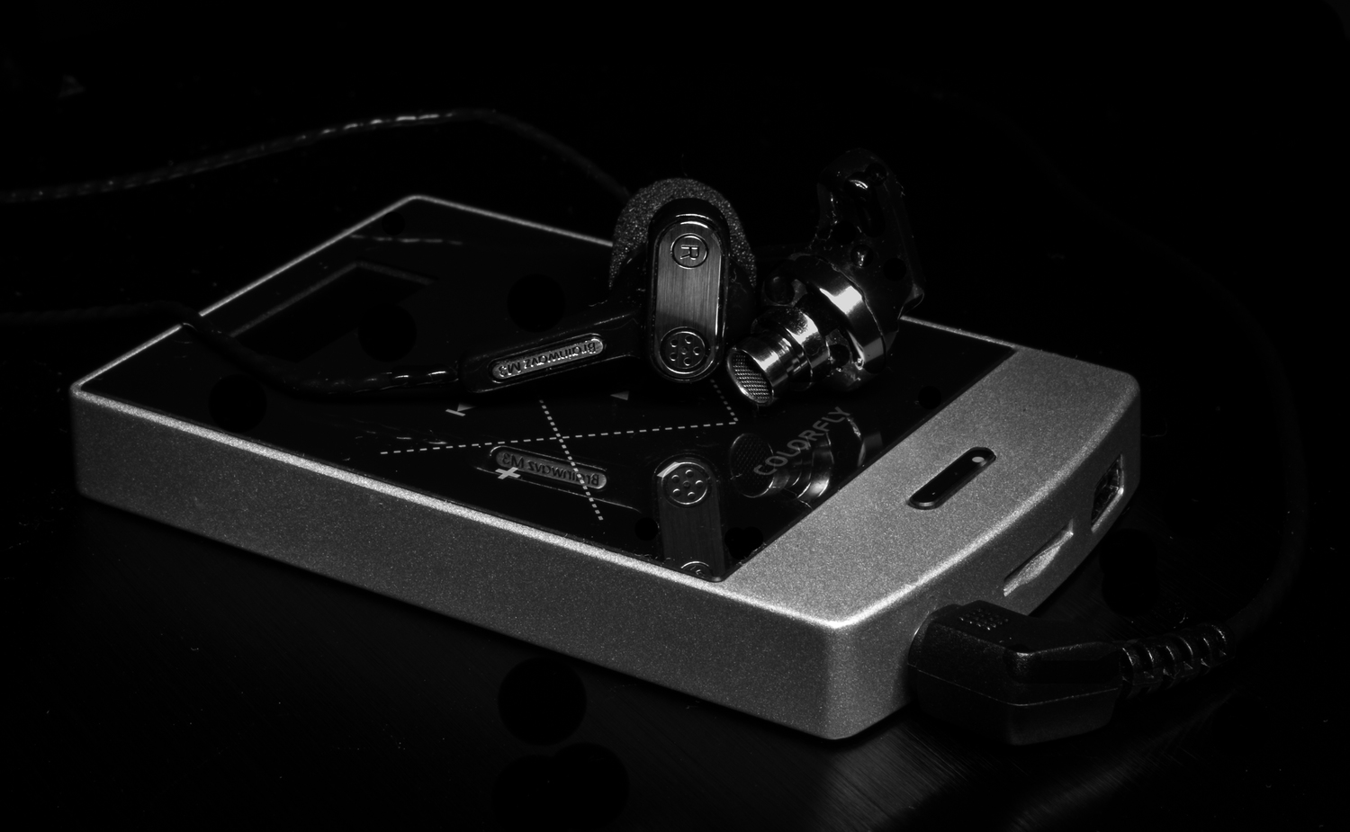 Conducting the review of the Brainwavz M3 earphones with the COlorfly C3 DAP (Digital Audio Player)