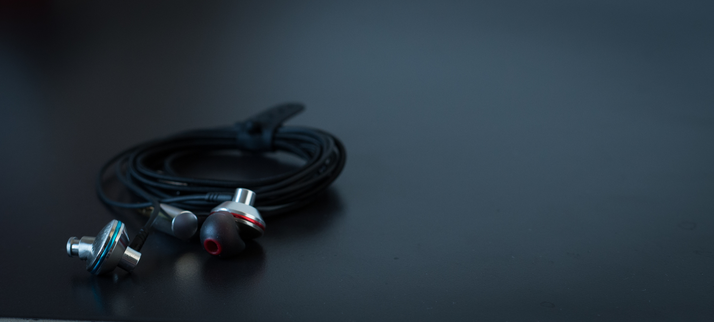 Dunu Titan earbuds are an old school design modernized with new technology in the way of a stunning new 15mm dynamic driver.