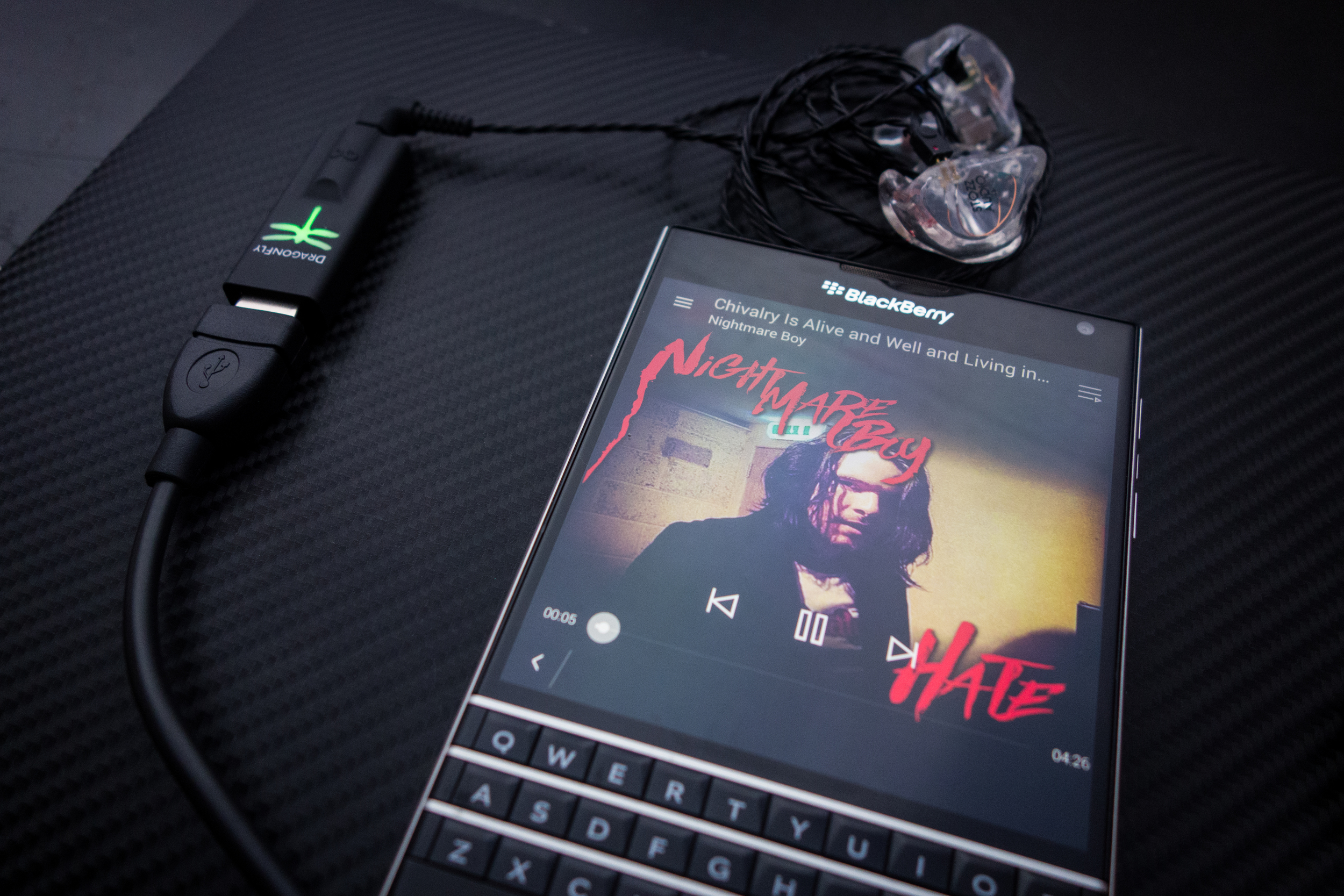 Audioquest Dragonfly with Blackberry Passport - Light comes on... no onehome..not working.