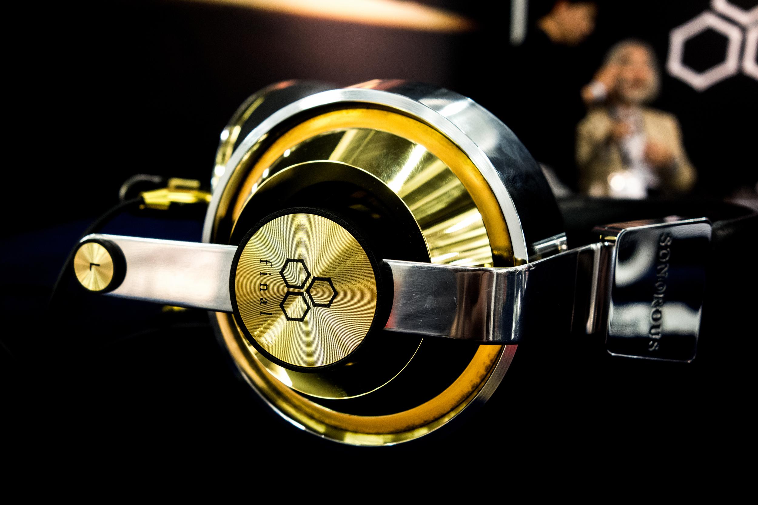 Final Audio Design Sonorous 10