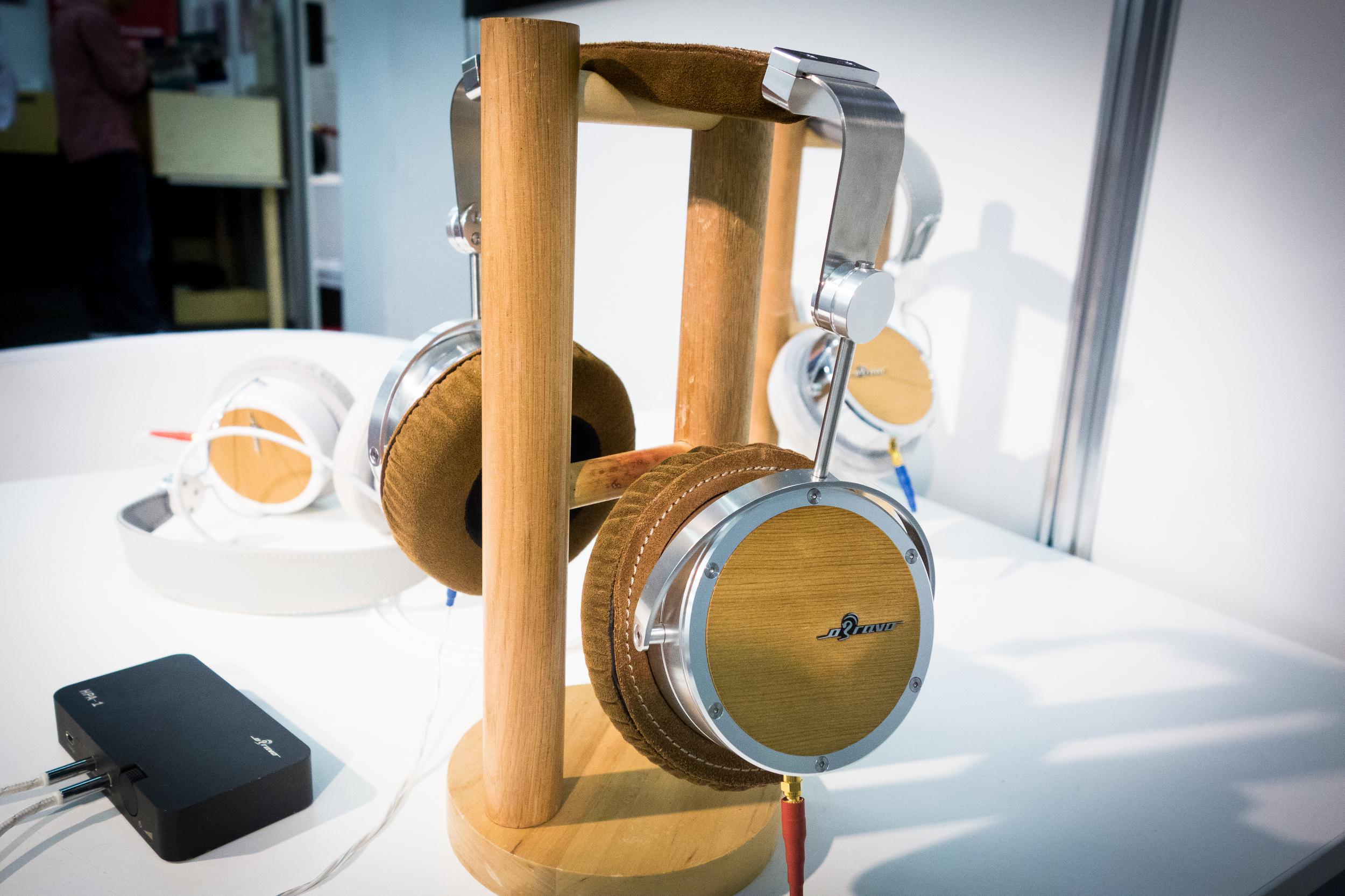 Obravo HAMT-1 headphones and amplifier