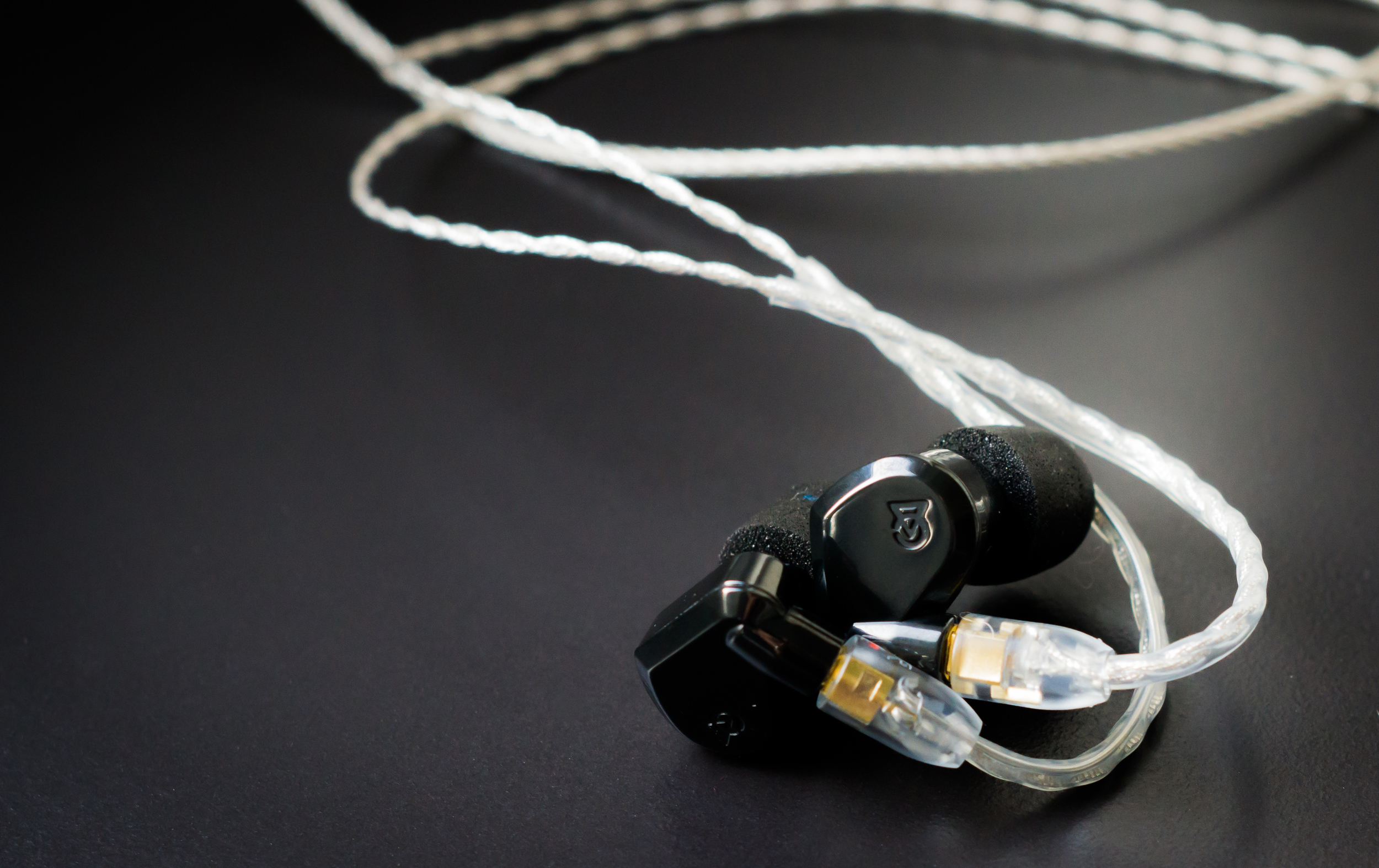 Campfire Audio Lyra come with a stunning ceramic housing and beautiful detachable cable.