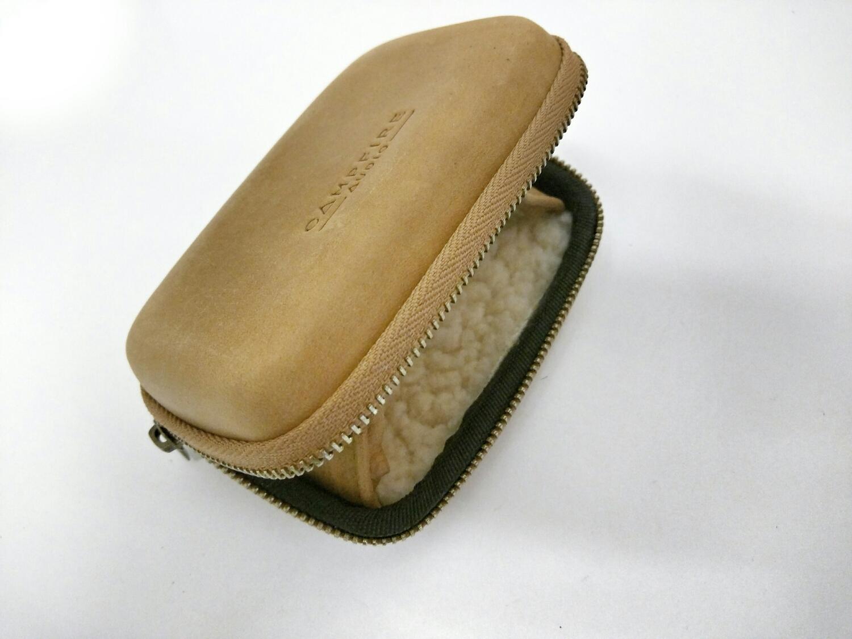 Campfire Audio distressed leather case for jupiter earphones.