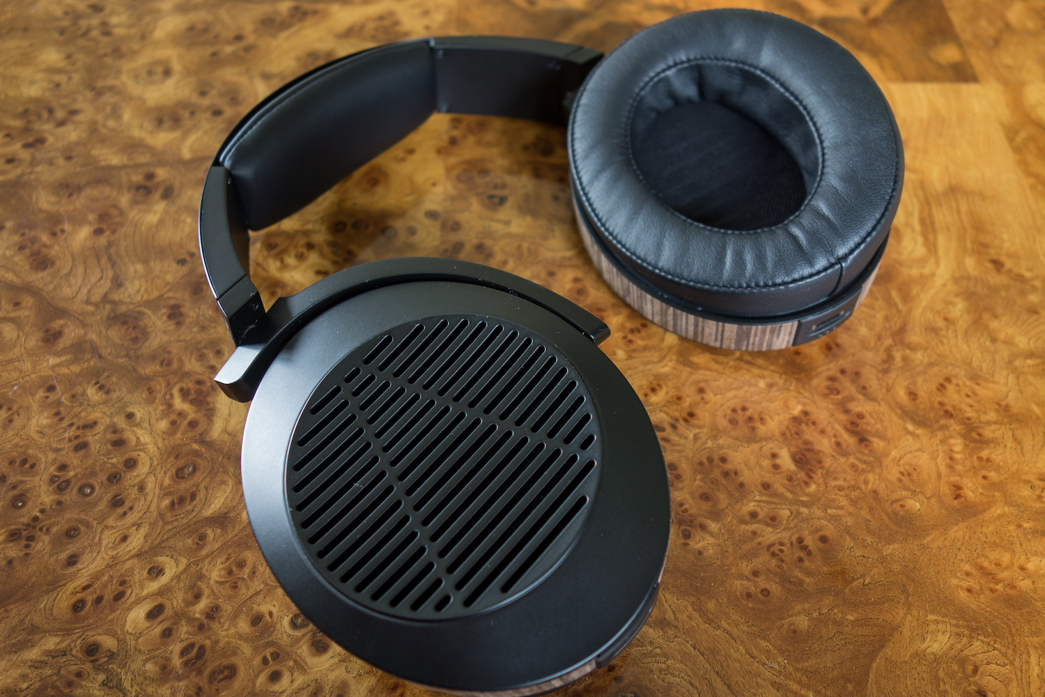 Audeze have designed the EL8 to be there best looking headphone yet.