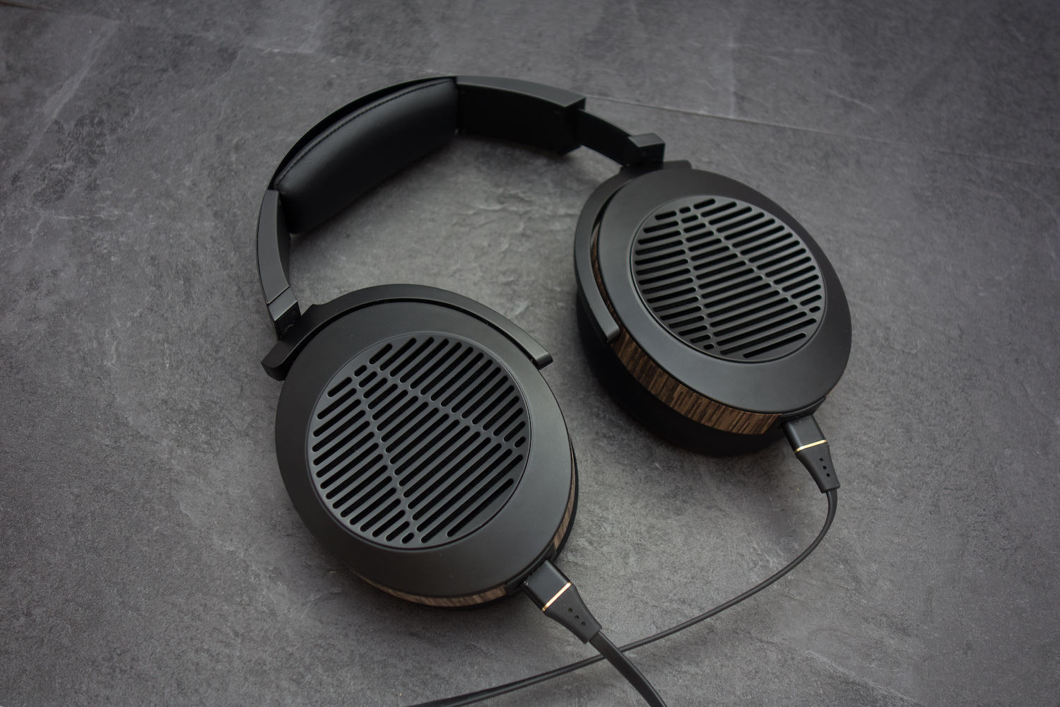 The earcups swivel a full 90 degrees to allow them to sit flat when not in use.