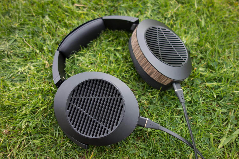 The Adeze EL-8 open back headphones.