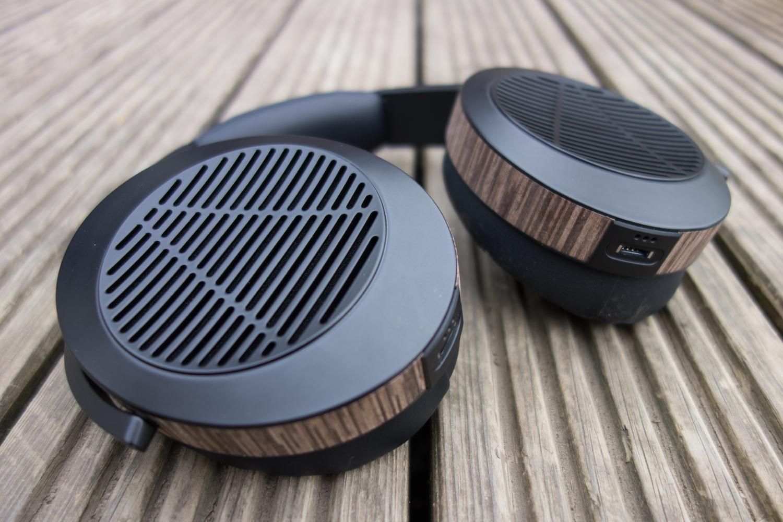 We conduct this Audeze EL8 review, open back planar magnetic headphones for audiophiles.