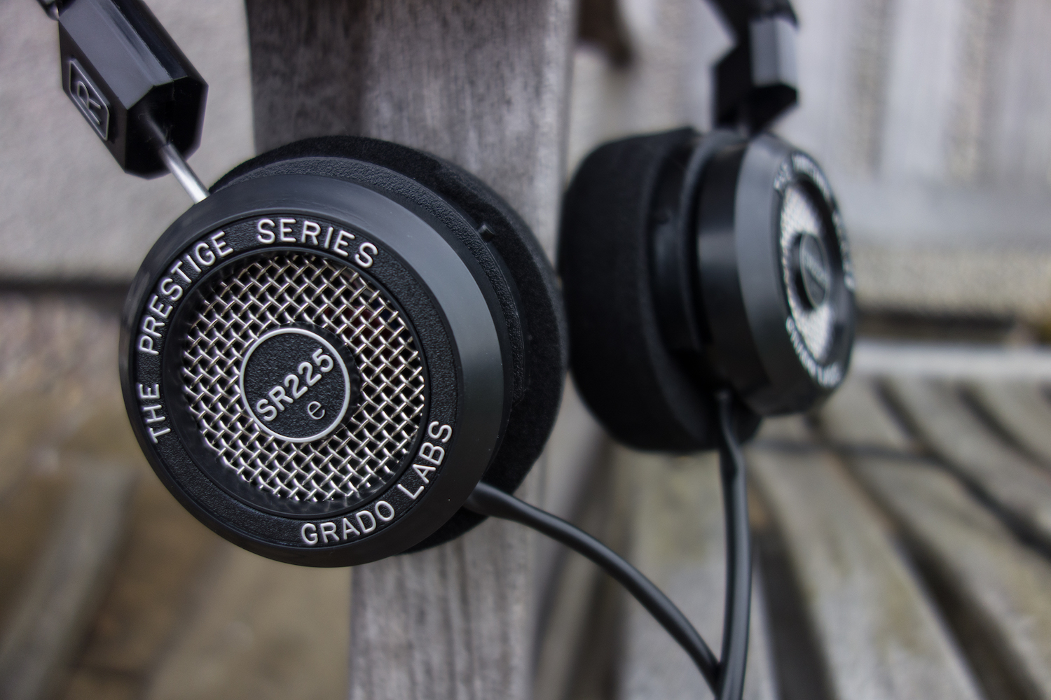 One of the most classical designs in audiophile headphones - The Grado e Series SR225e