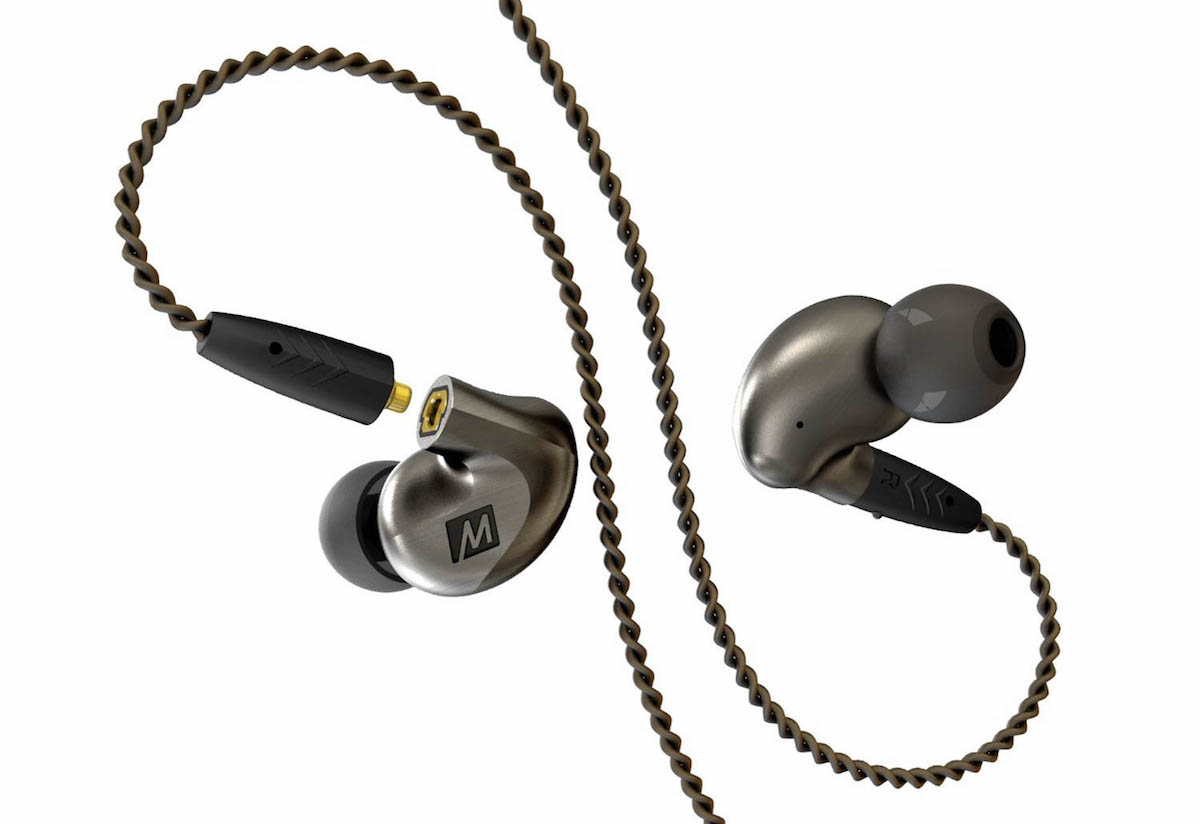 Mee Audio Pinnacle P1 Earphone review - braided detachable cables and dynamic drivers.
