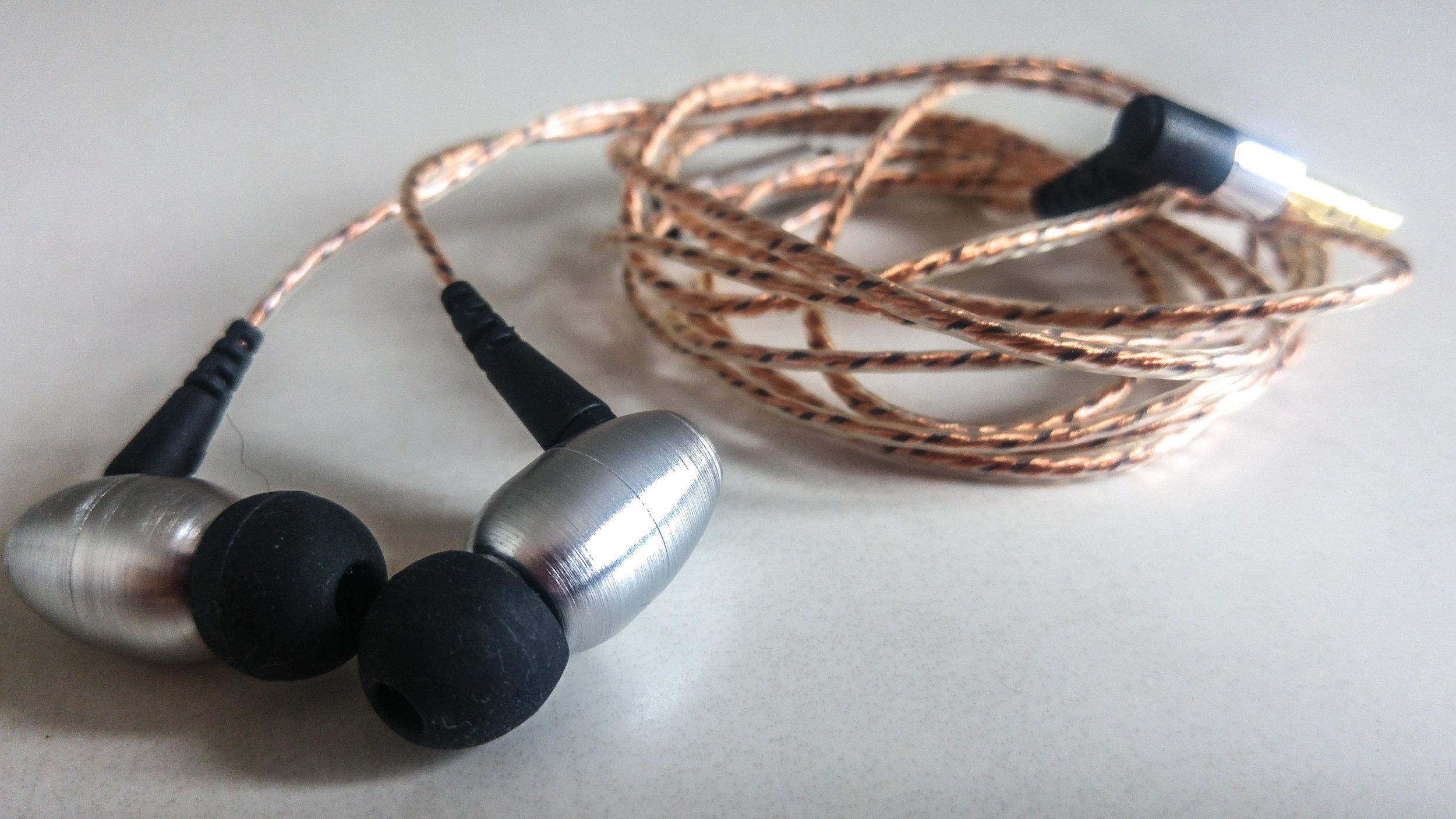 The Alpha & Delta AD01 earphones from lendmeurears.com