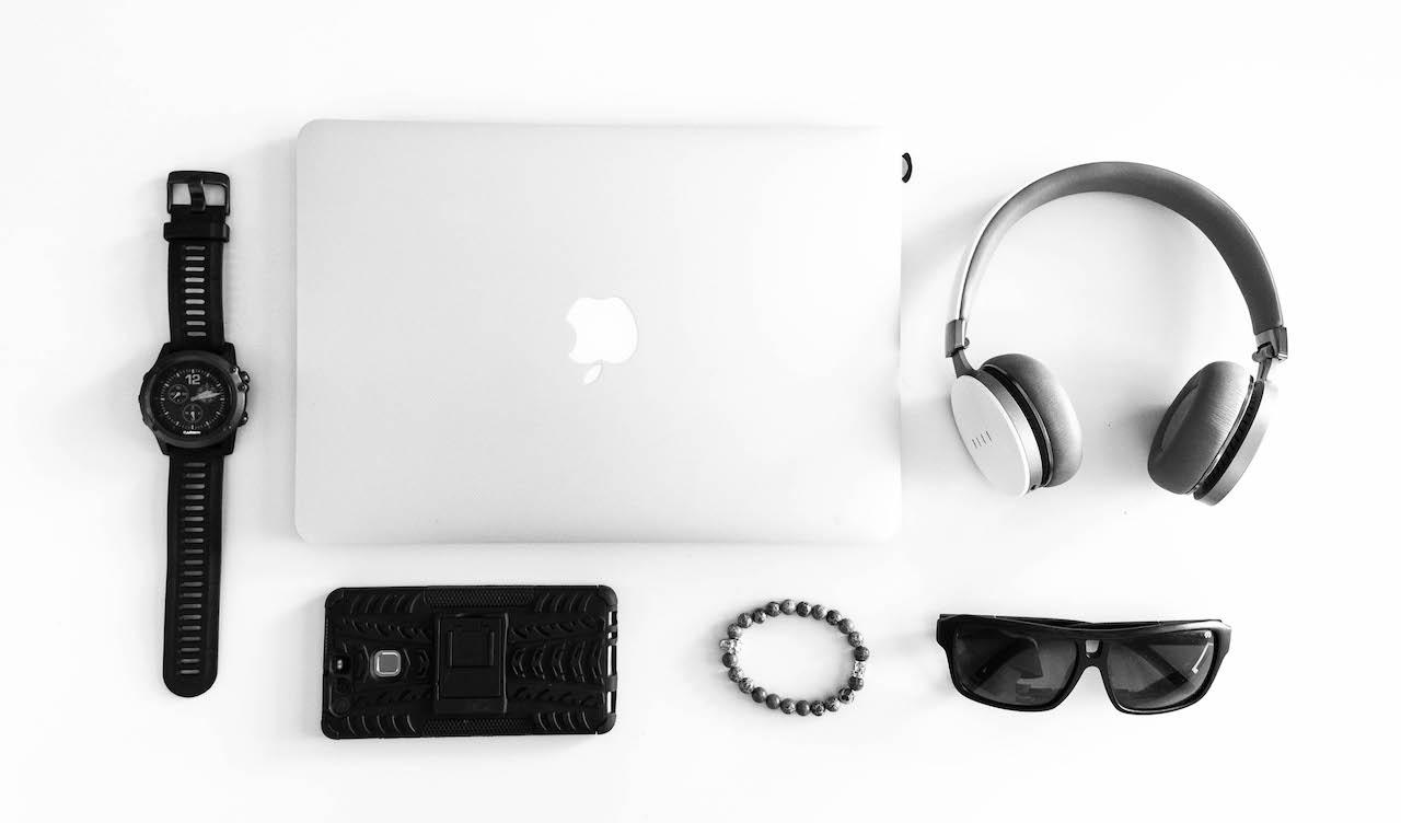 Garmin Fenix 3 GPS Watch  -  Huawei P9  -  Macbook Retina 13  -  Dragon Shades  -  Fiil Diva Pro