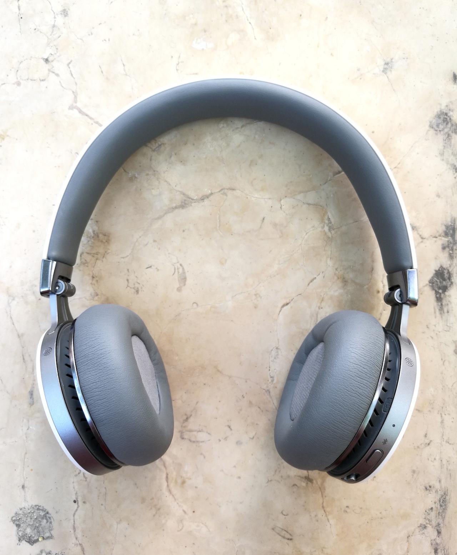 Profile view of the Fiil Diva Pro Headphone