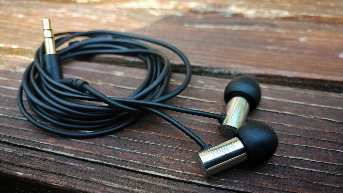 Final-Audio-Design-e3000-earbuds
