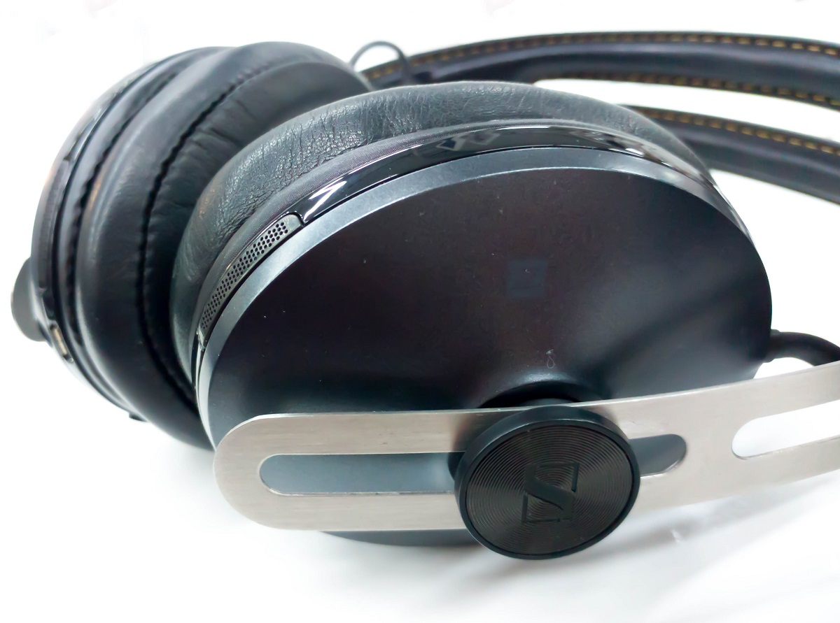 Sennheiser HD1 are the companies challengers to the bose QC35 and Sony WH-1000XM2 Noise cancelling headphones.