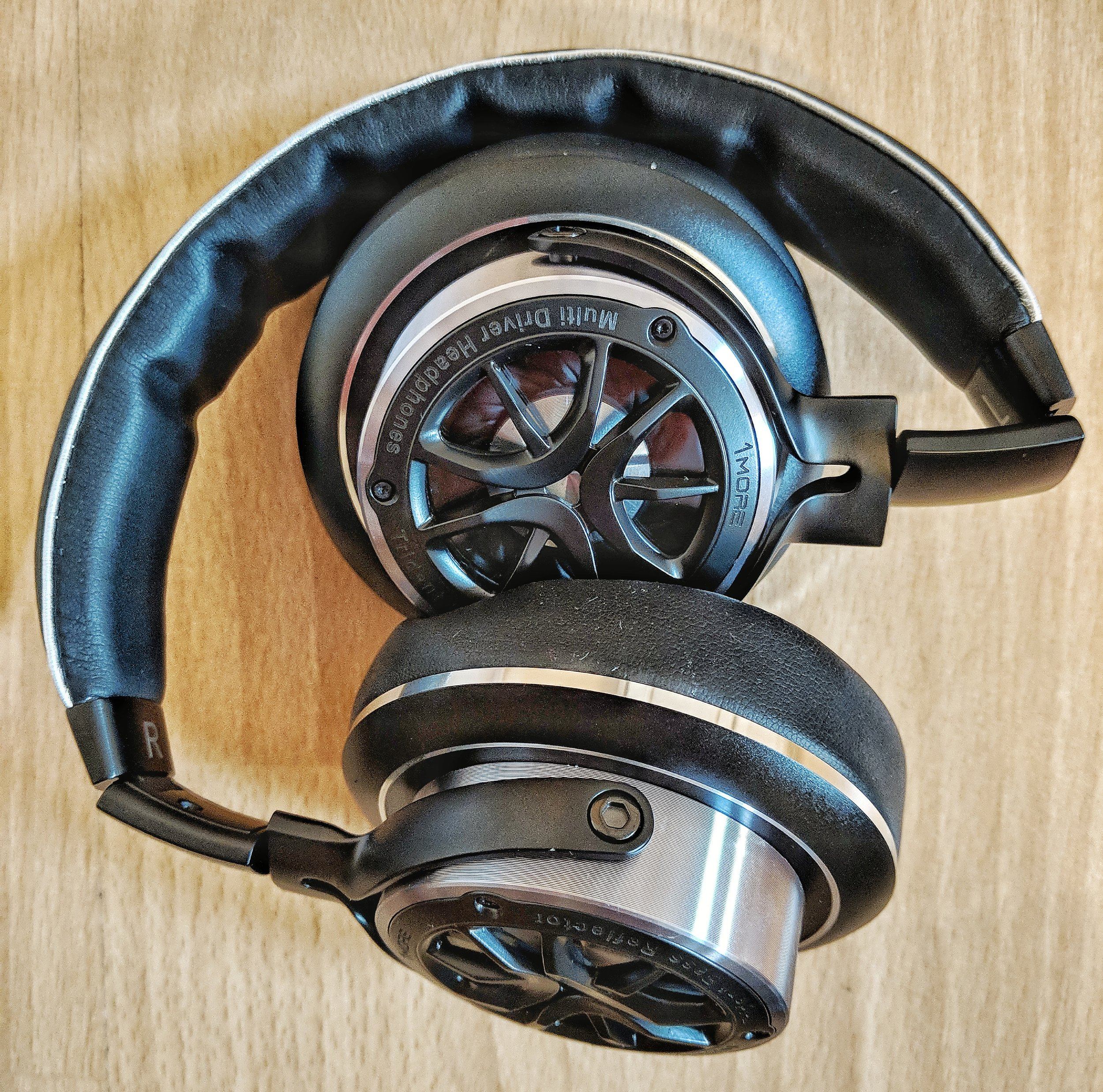 During the review we were impressed by the 1 more triple driver headphones sound quality especially good for such a compact over ear model.