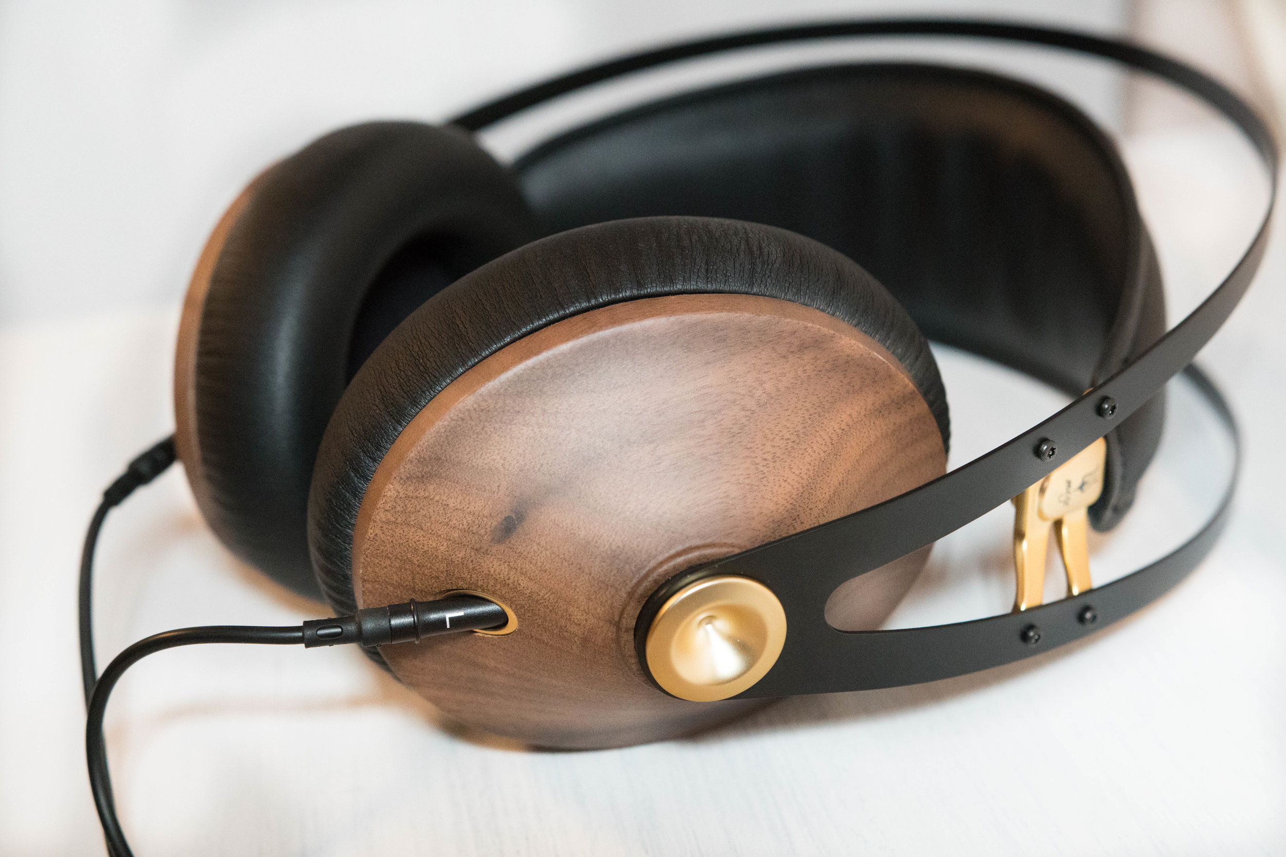 Meze 99 Classic headphone review - Walnut wood and brass finish.