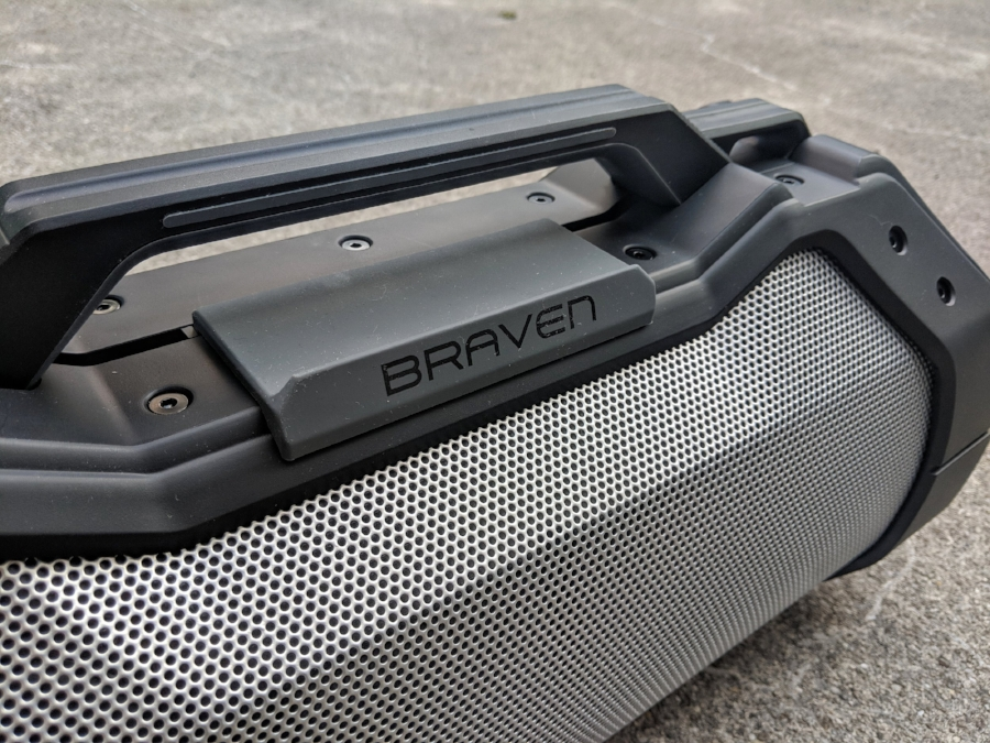Braven XXL speaker with clever rubber pad built in to stand your phone or ipod on.
