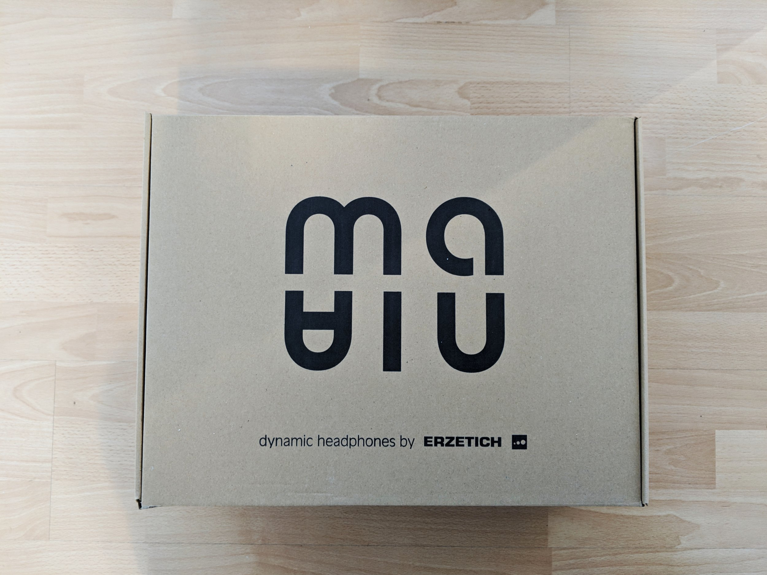 Erzetich Mania headphone box