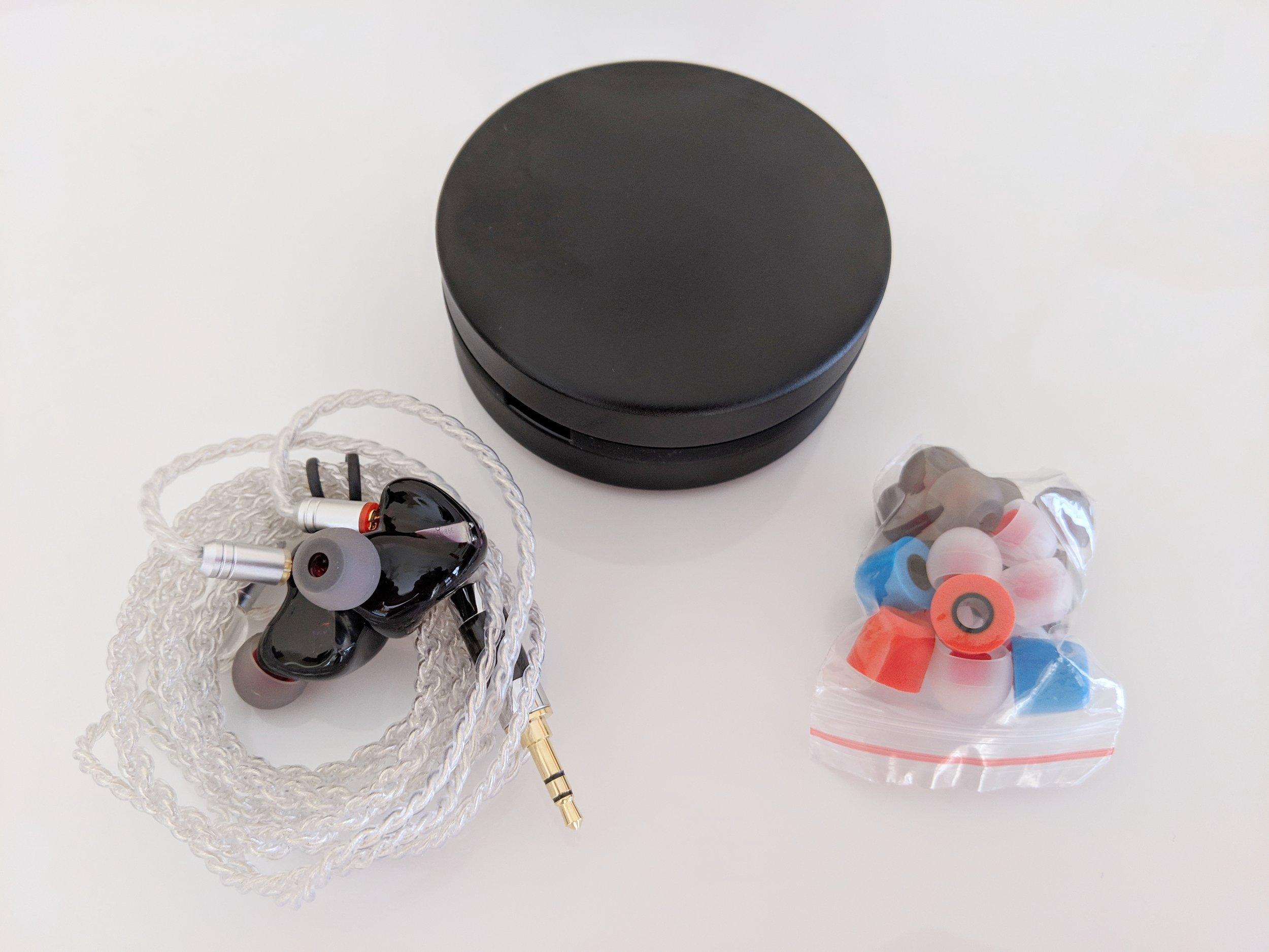 Toneking t4 earphones and the accessories.
