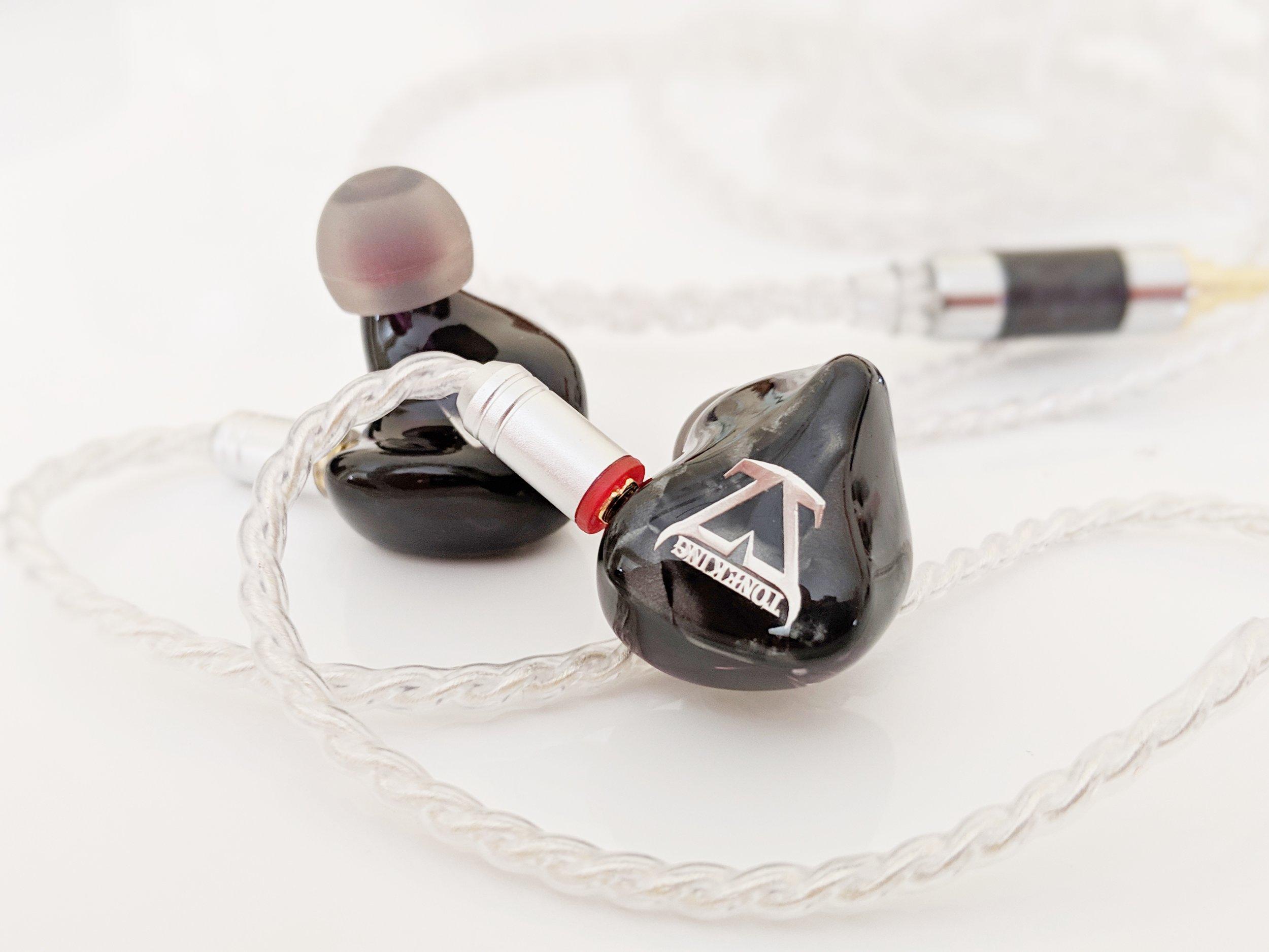 Toneking T4 earphones with MMCX headphone cable.