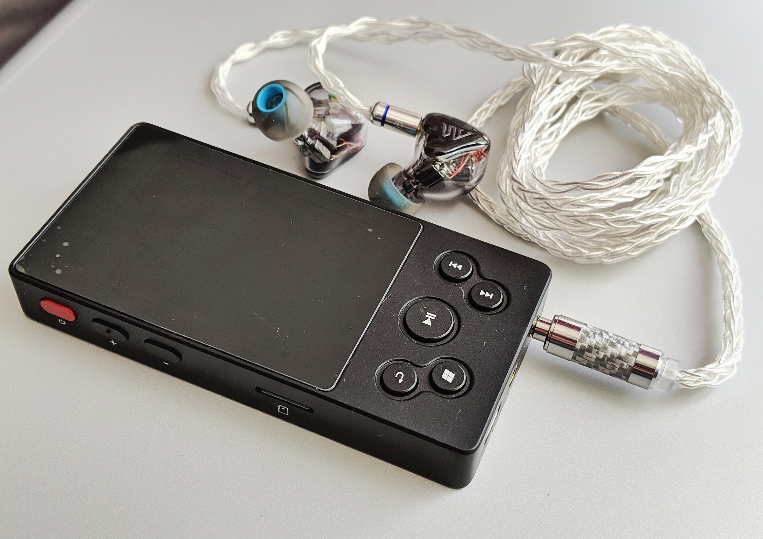 Xduoo X3 II music player review with the Fearless Audio S8P earphones.