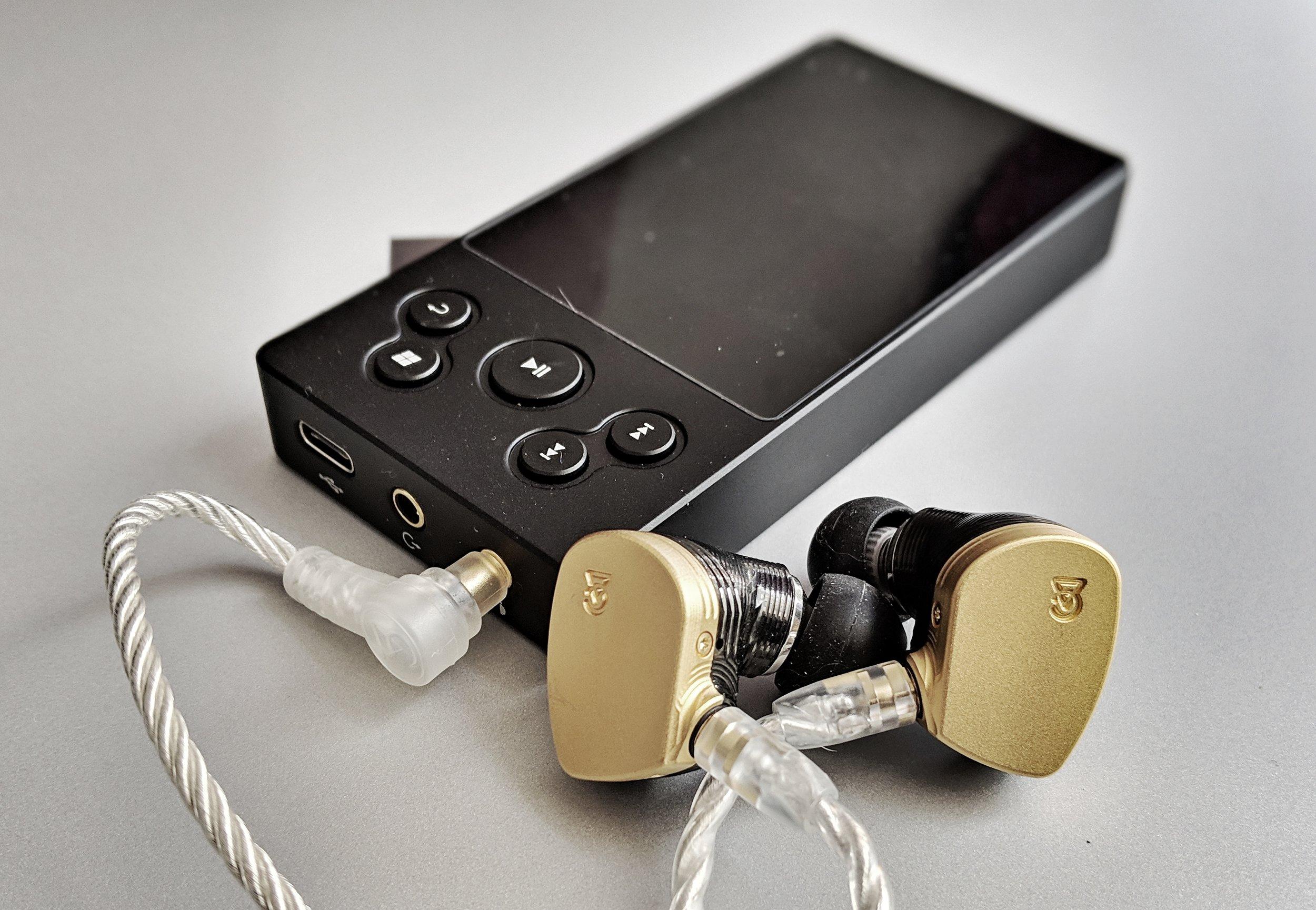 The Xduoo X3 II Audiophile DAP with the Campfire Audio Solaris Earphones.