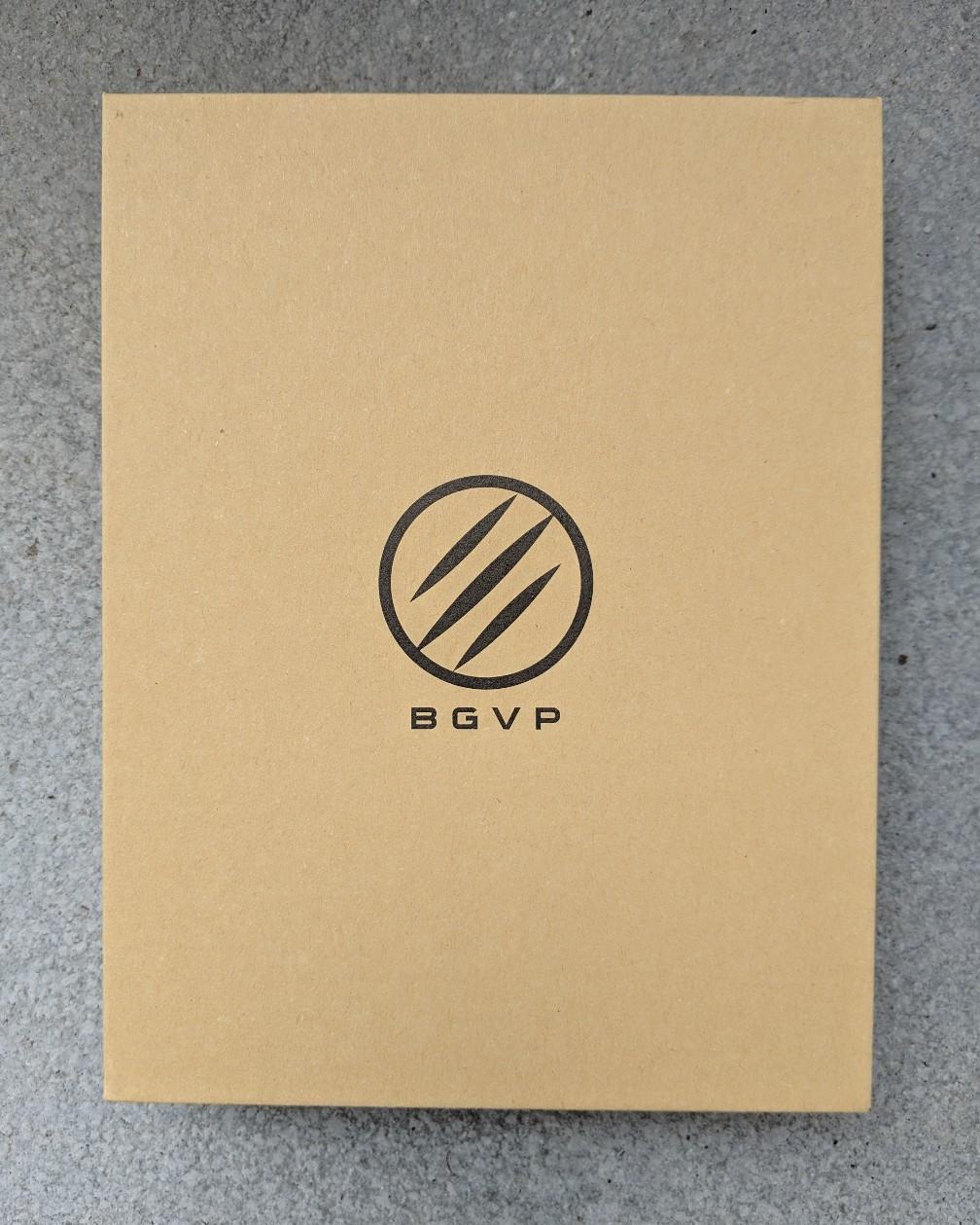 Box for the DM7 earphones.