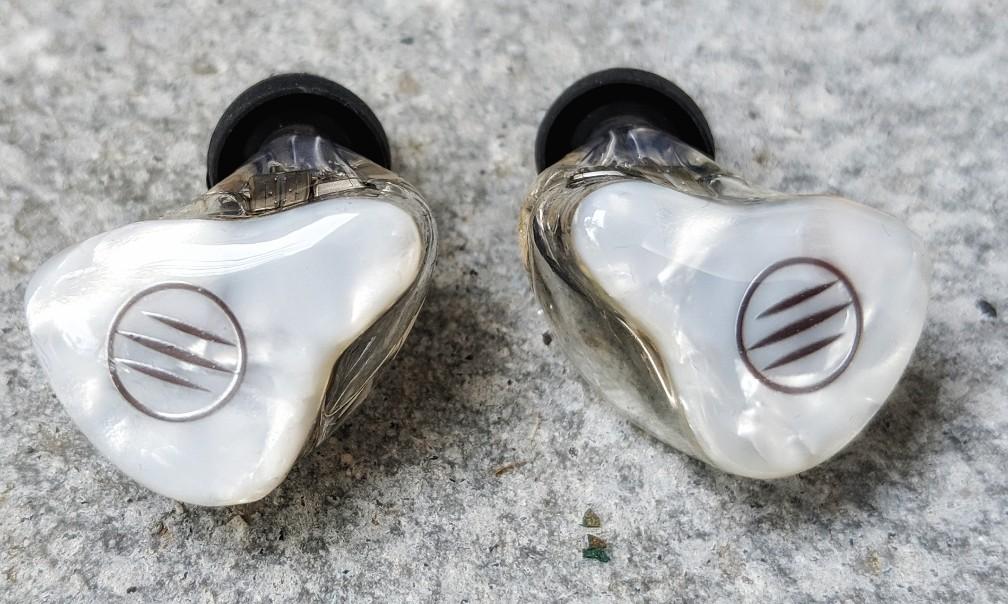 BGVP DM7 earphones without cable attached.