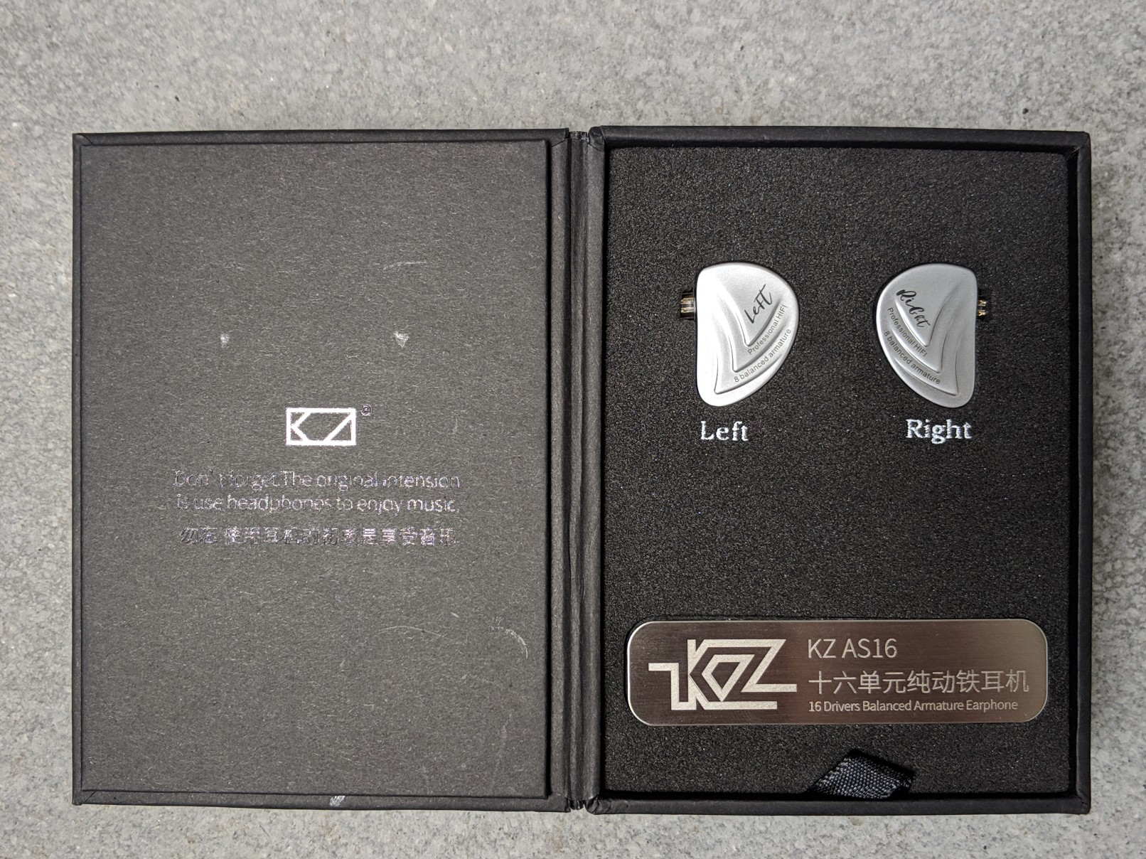 Box for the new KZ earphones the AS16