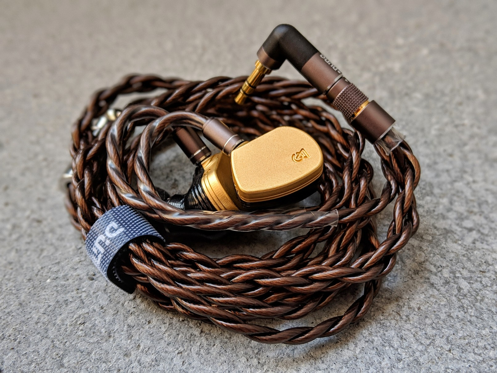 The hulk cable by dune with the Campfire Audio Solaris IEM's