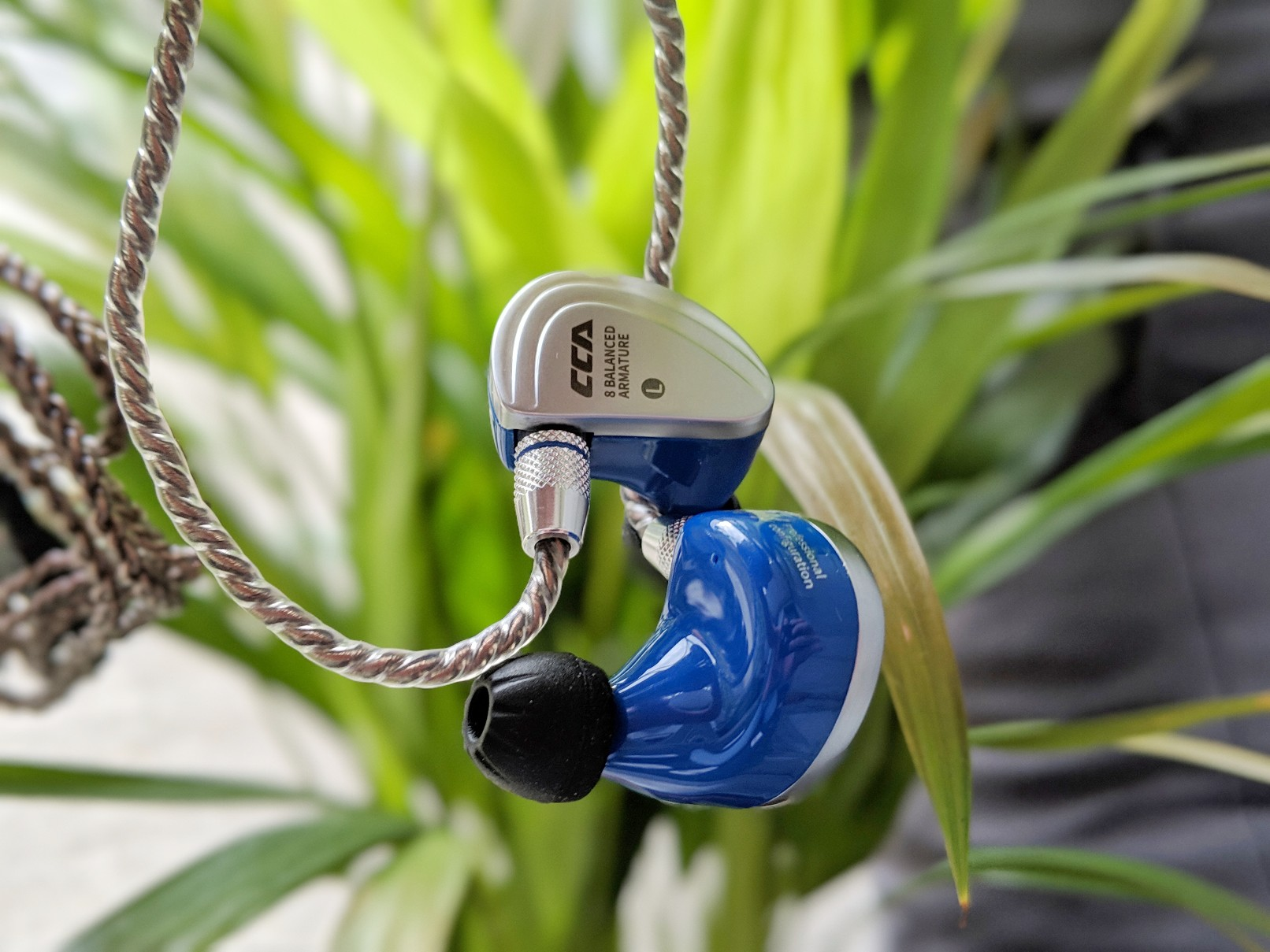 Review of the CCA C16 earphones and earbuds.