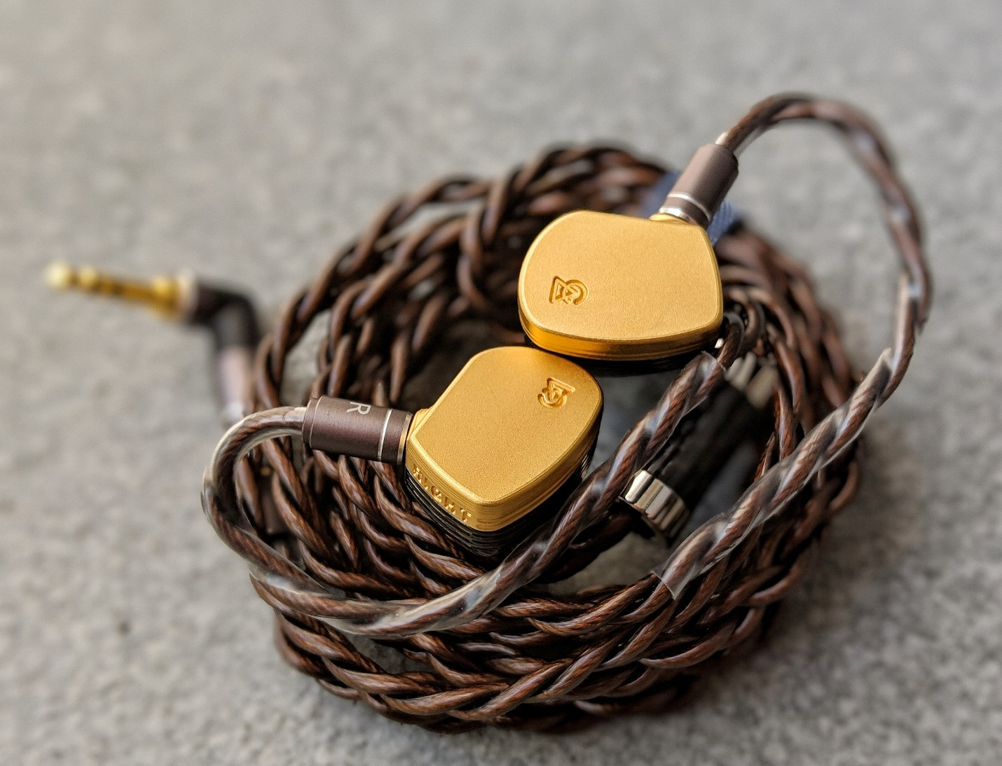 Campfire Audio Solaris earphones with the Dunu Hulk Cable.