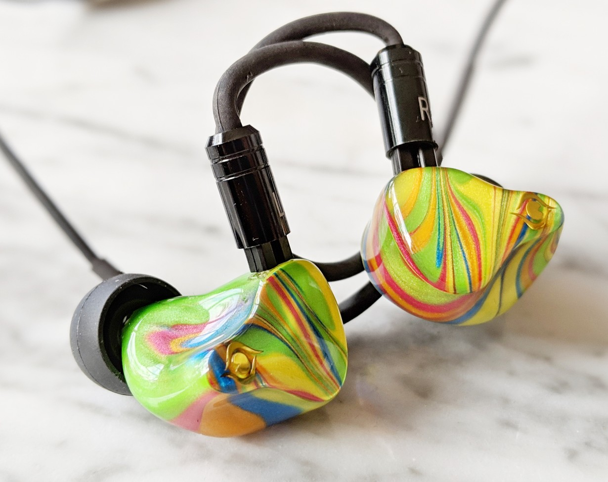Here we have a picture of the Peacock Audio P1 earphones in the rainbow color scheme. One of the most attractive earbuds we have reviewed in 2019.