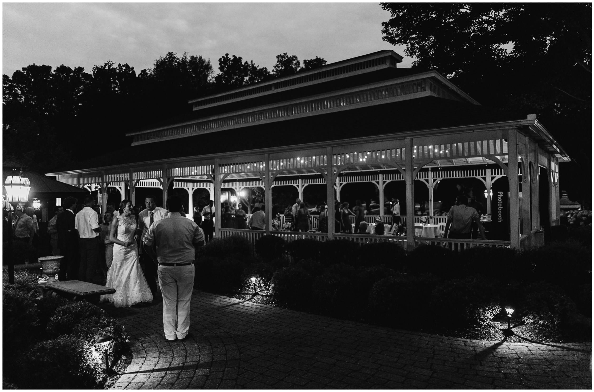 ann_arbor_michigan_wedding_98.jpg