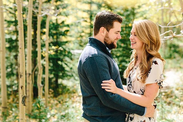 This wonderful couple is getting married today and we're thinking back to their dreamy fall engagement session. We can't wait to celebrate with you, Lindsay and Stuart!! #lizzieandmarco