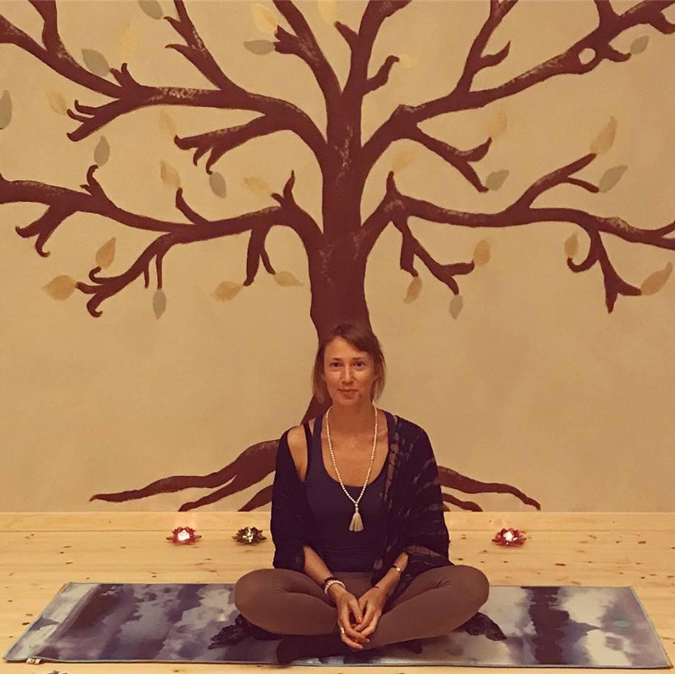 Kreativ Familje Yoga_1.jpg