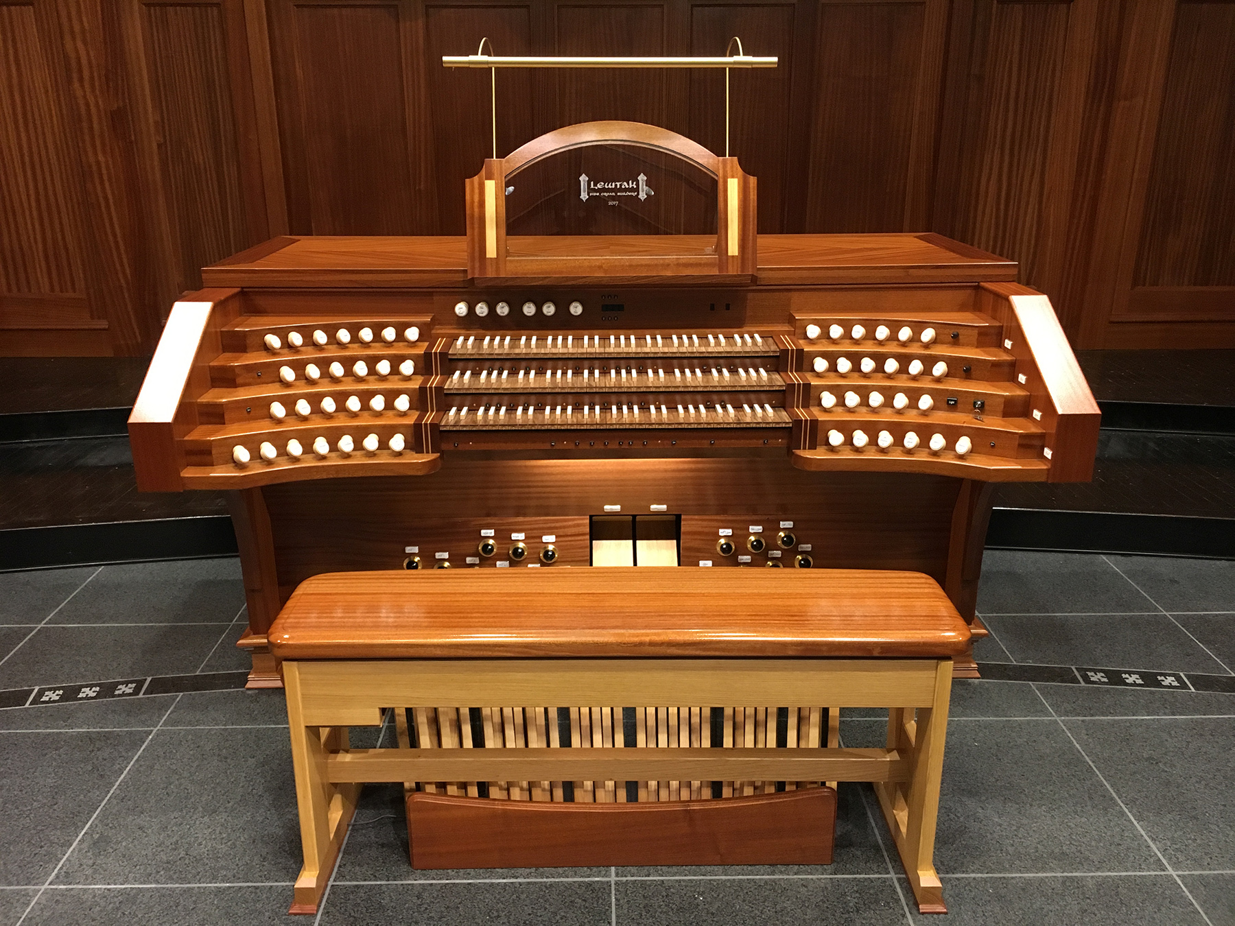 Shandon Presbyterian Church - organ console