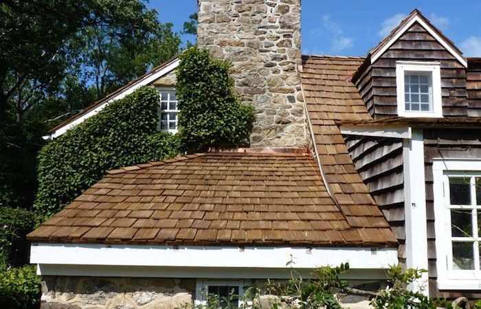 wood-shake-roofing-LGC-Roofing-Gardenista.jpg