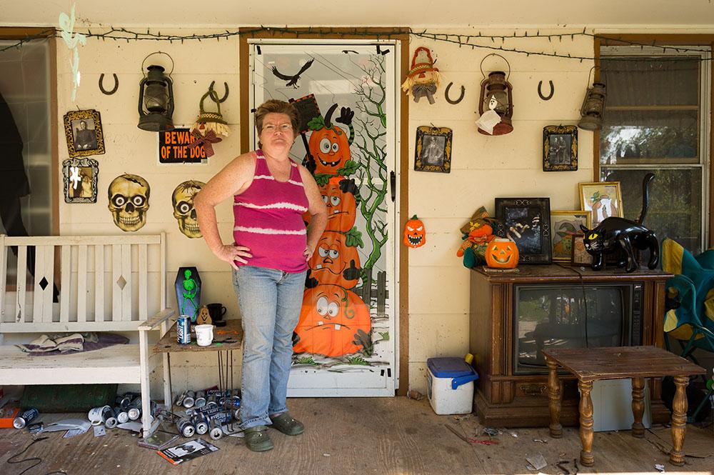 L1003787   us mf Carolyn Johnson, Hwy 209 near Hot Springs.jpg