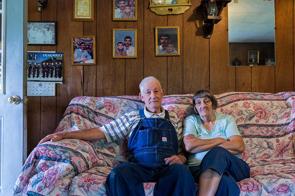 L1004140    us mf Clifford and Pearl Owens.jpg