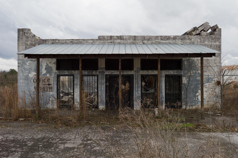L1006542   us mf abandoned store Ellisville, AL.jpg