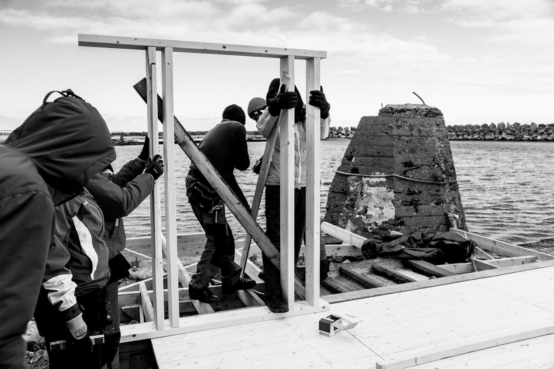 Scarcity & Creativity Studio building a sauna for Villa Lofoten
