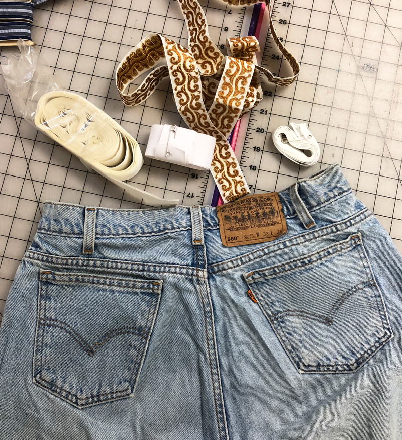 I found a pair of vintage levi's in the donation pile. (I would have kept them if they were my size)