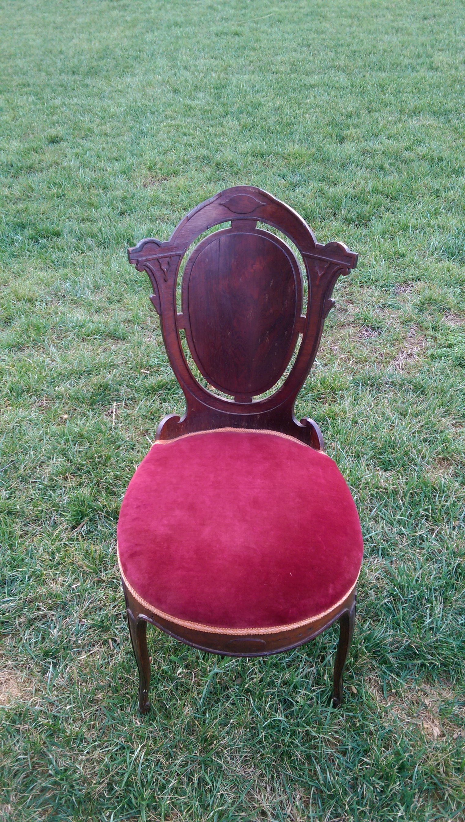 burgundy chair 2.jpg