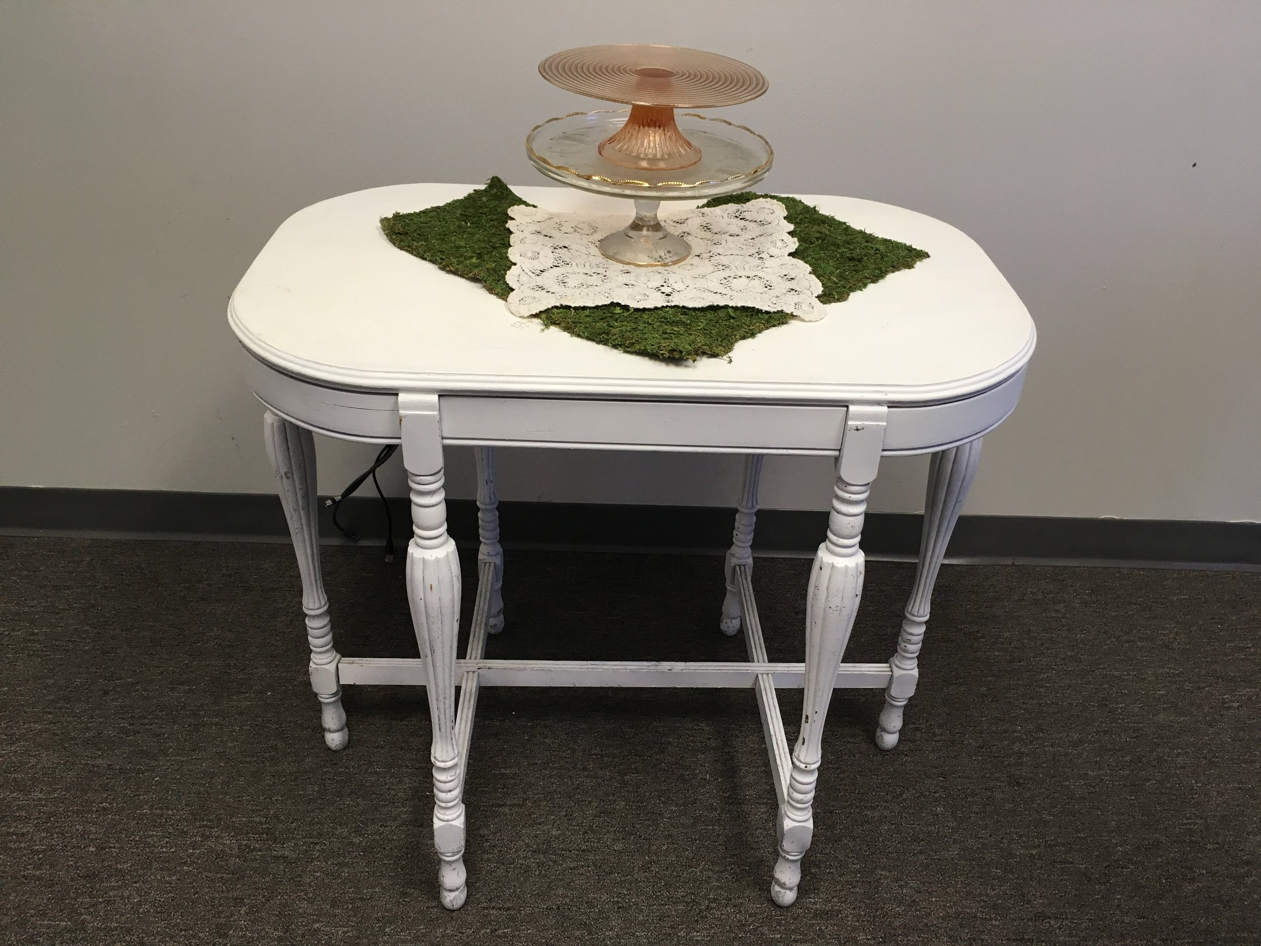 White Oval Cake Table
